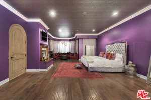 home-bedrooms-beyond-spacious-complete-charming